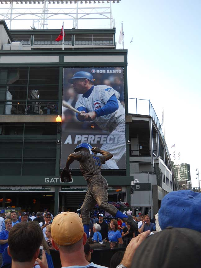 Ron Santo Statue, chicago cubs, photo