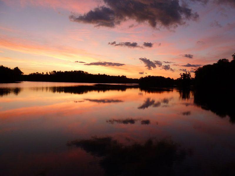 Sunrise,-Wisconsin,-fishing,-musky