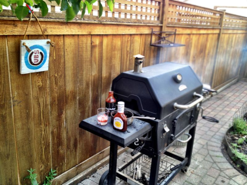 Grill,smoking ribs,barbecue