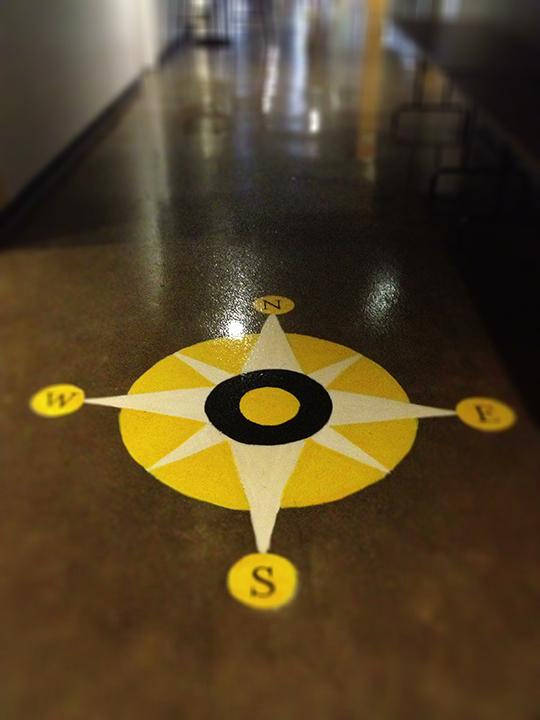 Floor compass