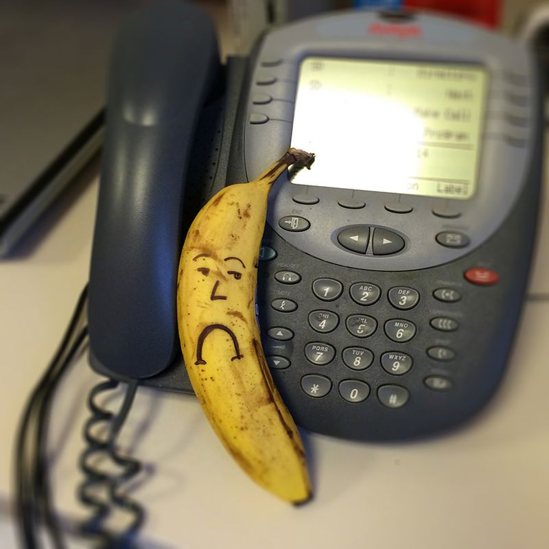Sad Banana can't phone