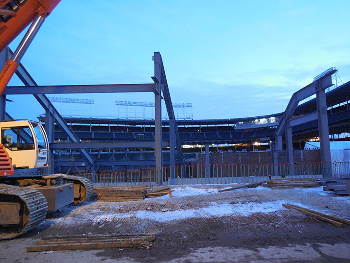 4.Wrigley-Field-down-Waveland-